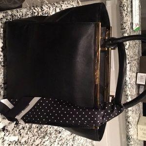 Beautiful black Michael Kors purse 👜!